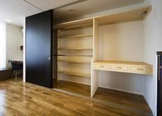 寝室収納スペース